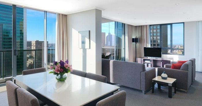 Meriton Serviced Apartments Pitt Street is located right in the heart of the Sydney CBD (Central Business District) and offers luxury Penthouse accommodation, namely the Altitude Suite with three spacious bedrooms.