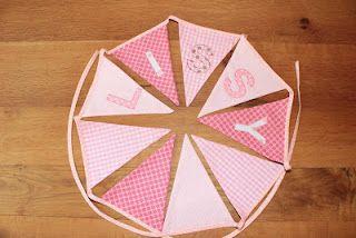 Wollt Ihr auch eine solche Wimpelkette mit dem Namen Eurer Tochter oder Eures Sohnen kaufen? www.karobluemchen.blogspot.de