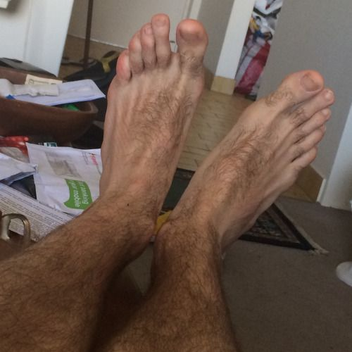 Mens long hairy toes