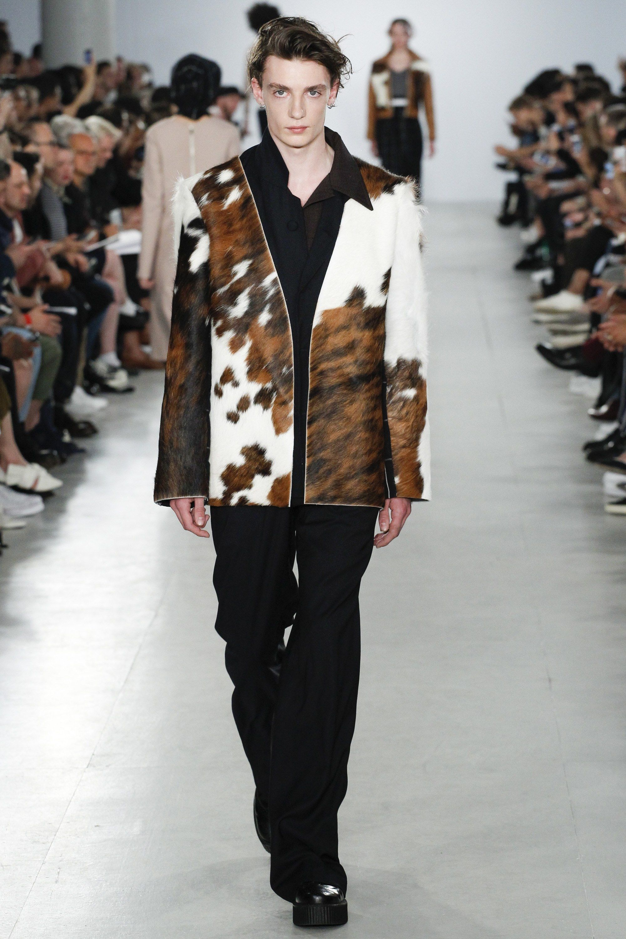 agi sam spring 2017 menswear fashion show spring photos and vogue was the question posed at agi sam s show this morning sam looked to his own childhood drawing inspiration from his father and mother who