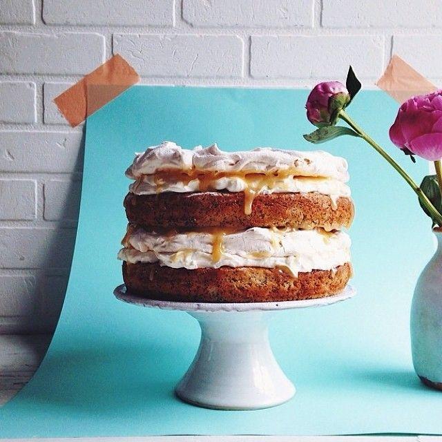 Lemon and poppyseed meringue layer cake by Jamie Oliver Foody