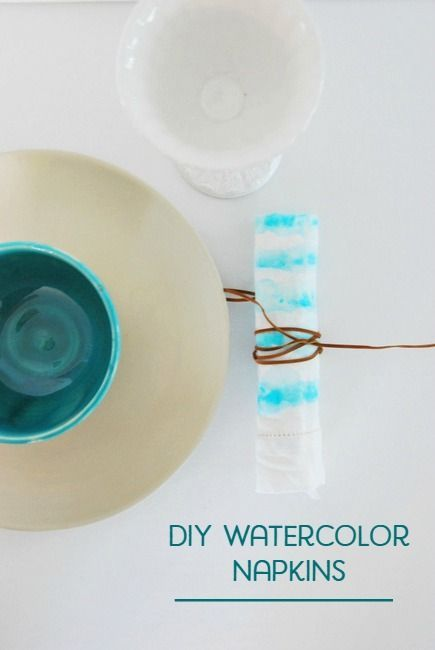 Looking for a great handmade gift idea? These DIY watercolor painted napkins are gorgeous and made using IKEA white cotton napkins (IKEA hack!). They have an abstract, boho look that add amazing style to any table setup. Click over for the full tutorial!!