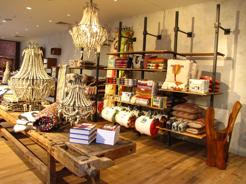 anthropologie store display | Restaurant and Retail ...