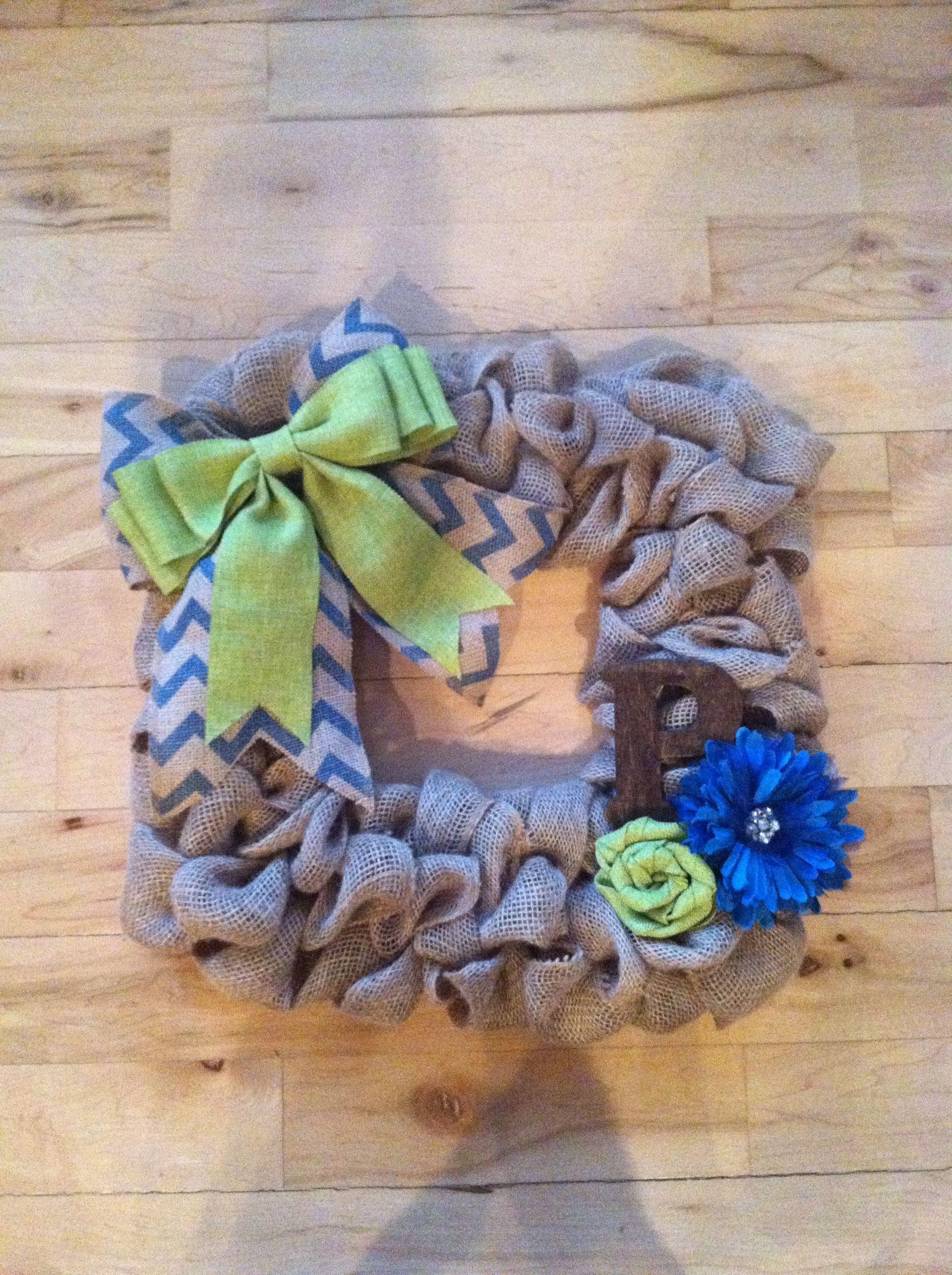 Spring burlap square wreath Square wreath, How to make