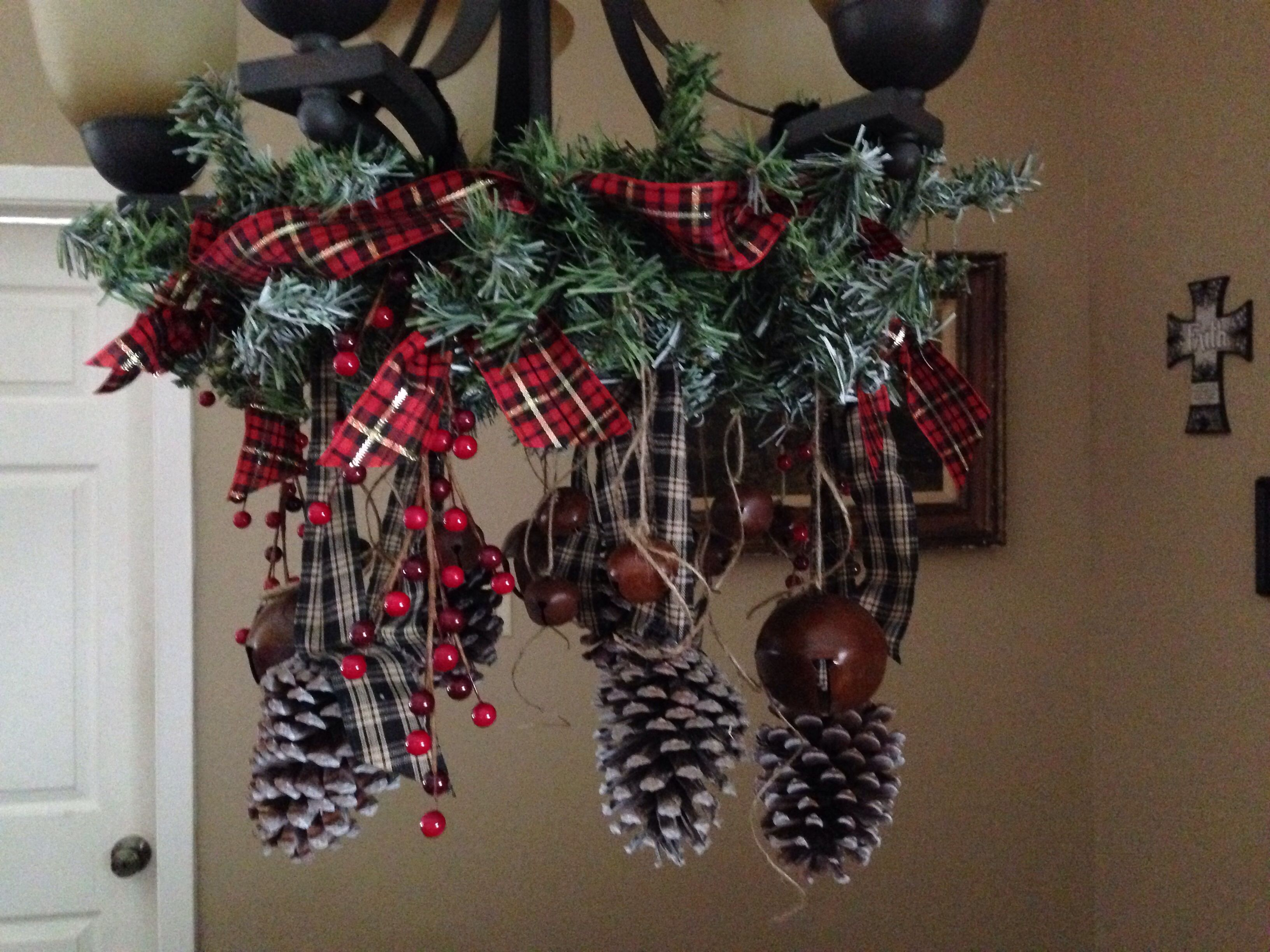Christmas Chandelier Decor With Images Christmas Chandelier