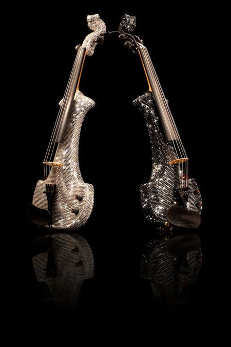 electric violin covered in over 50 000 swarovski crystals stardust sparkle sparkle. Black Bedroom Furniture Sets. Home Design Ideas