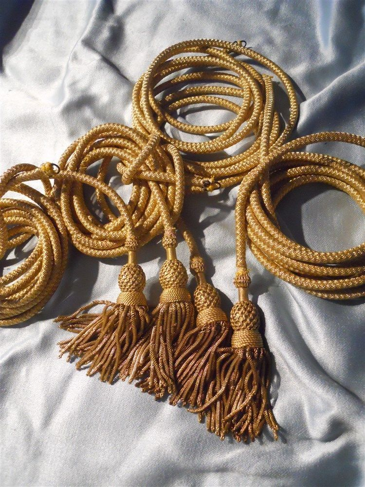 4 gold metallic tassels and long  gold cord 19th-century for pillows bourse bags