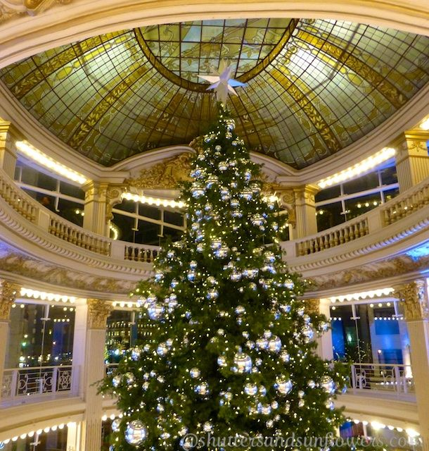 Christmas tree in Neiman Marcus, San Francisco, California ...