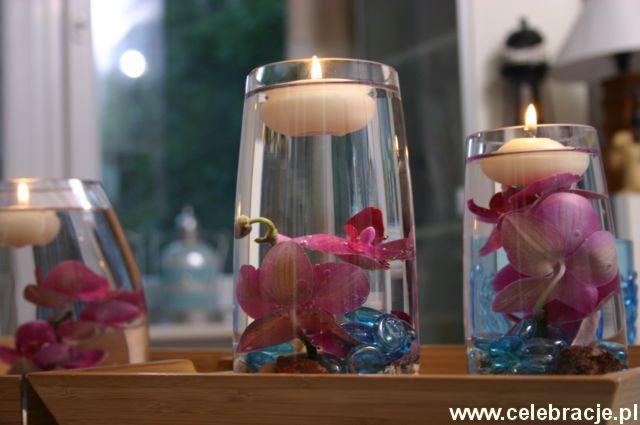 Menu Na Miare Kwiaty W Wodzie Plywajace Swiece Jpg 640 425 Table Decorations Decor Home Decor