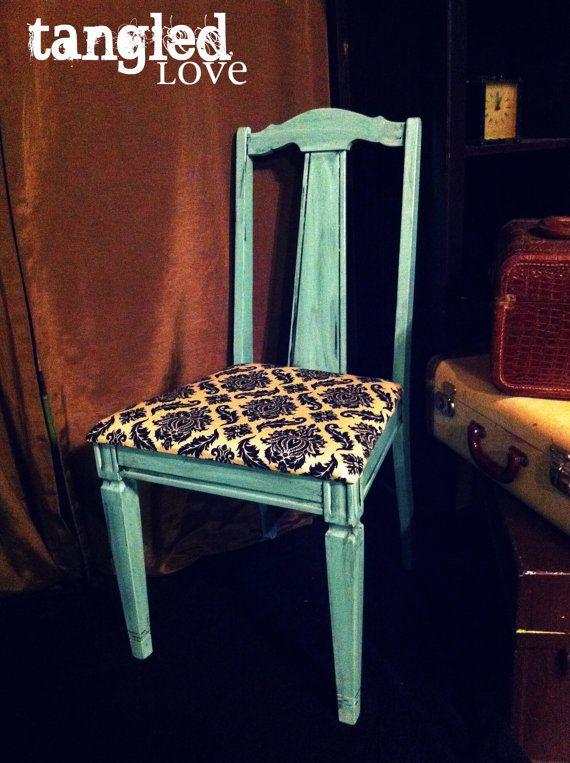 Looking for dining room chairs and one unique comfortable for Decoracion para el hogar adornos