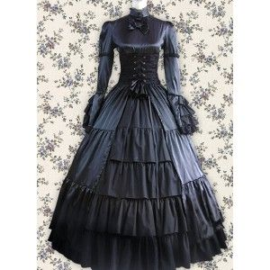 Wouldn't this be an awesome performance dress? Okay, so if I wore it in orchestra, my stand partner would have to sit about 5 feet away, but... :)