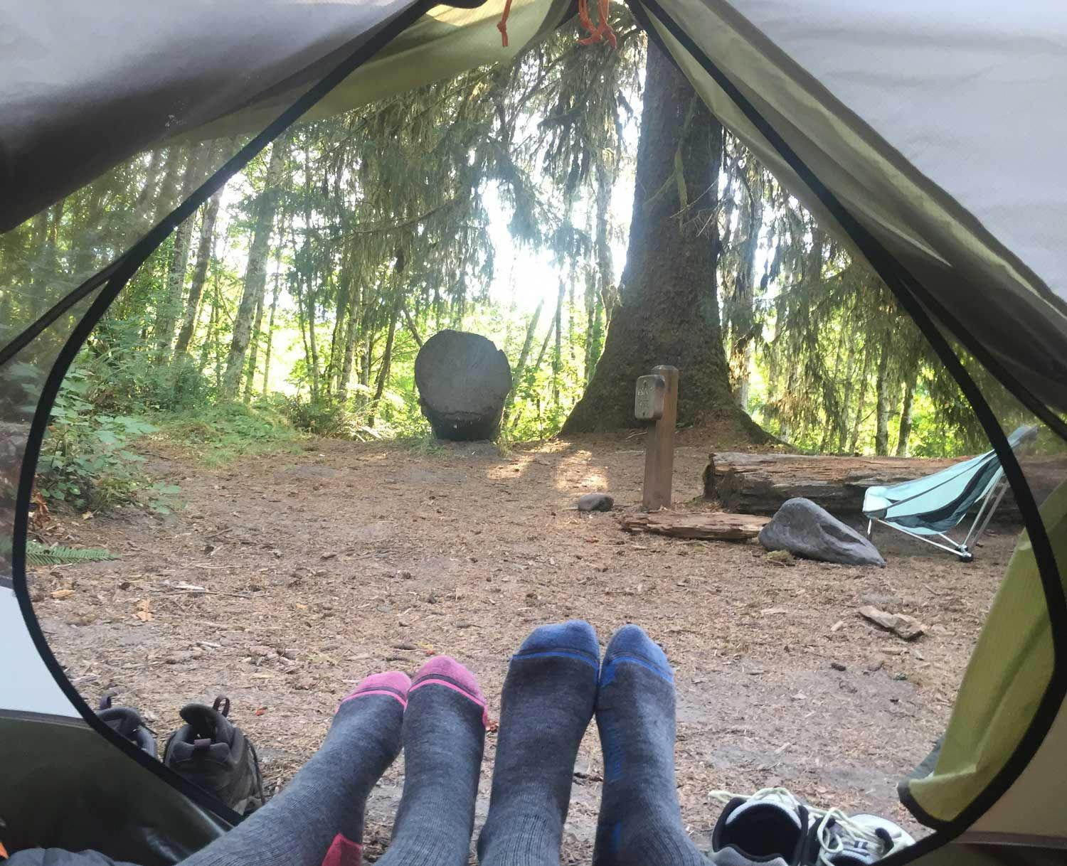 11 Hiking, Backpacking, & Camping Tips for Couples (With ...