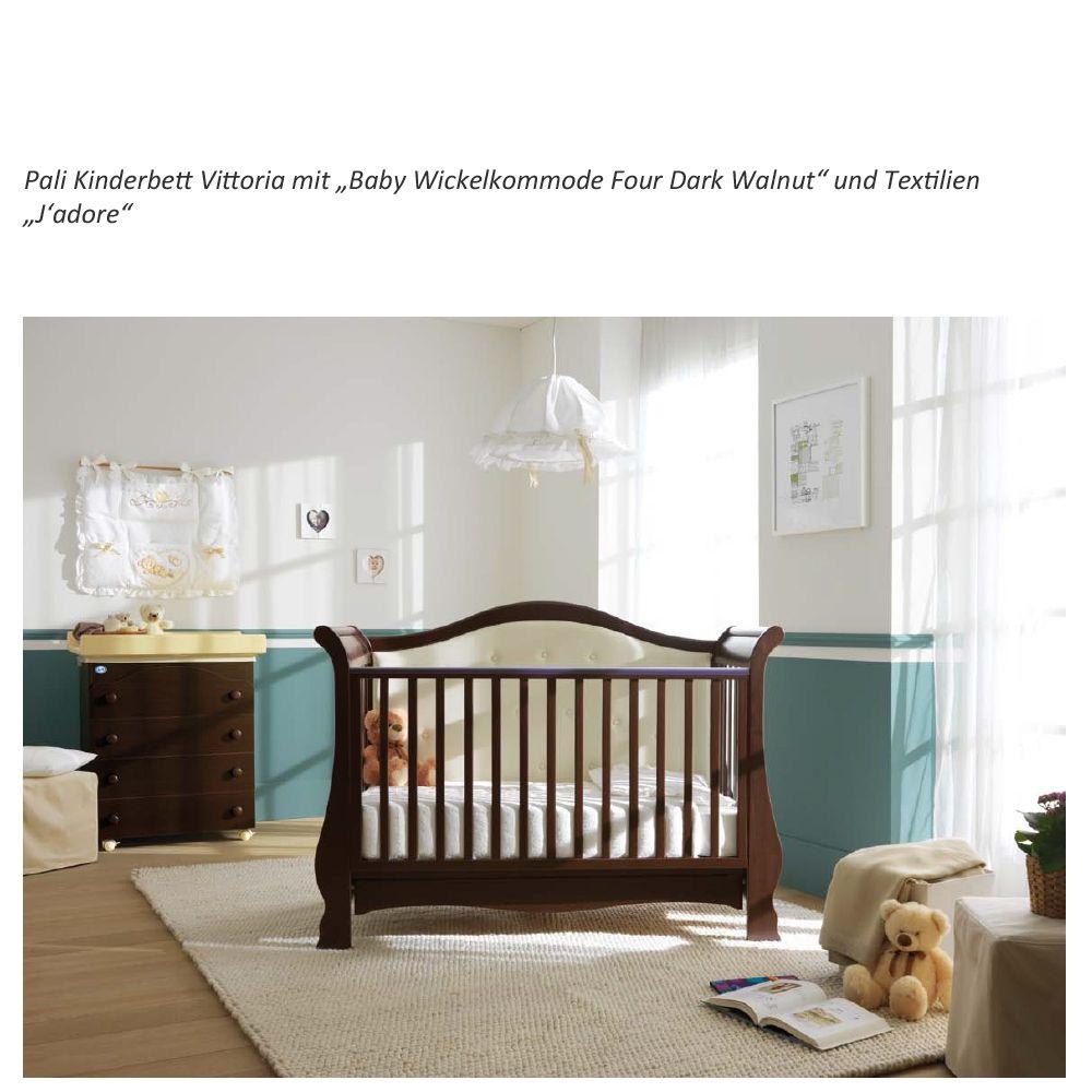 Und so sieht das elegante Kinderbett im Kinderzimmer aus. Pali Vittoria, gibt es auch in der Farbe Antik-Elfenbein