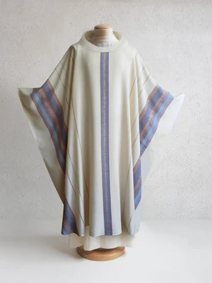 Beaulieux Woven Chasuble in White How to dye fabric