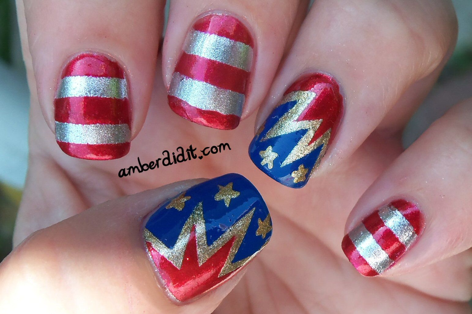 Patriotic nails copied from Nailside