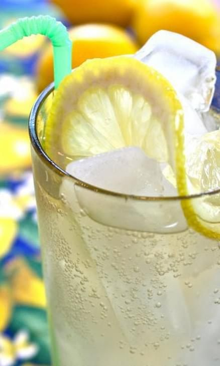 Limoncello Gin Cocktail #limoncellococktails
