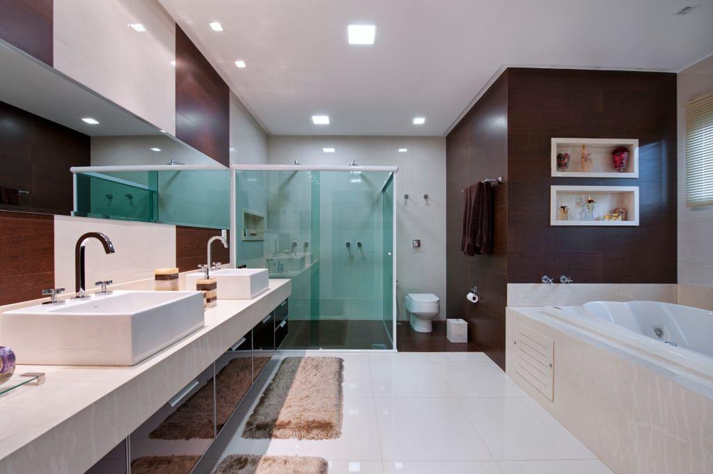 Busca imágenes de diseños de Baños estilo  de Livia Martins Arquitetura e Interiores. Encuentra las mejores fotos para inspirarte y crear el hogar de tus sueños.