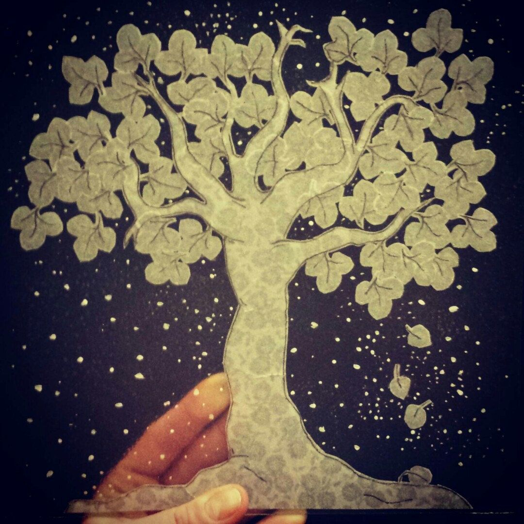In progress.. Snow fall, how the tree looks before it's finished. Everything is cut by hand, even the individual leaves