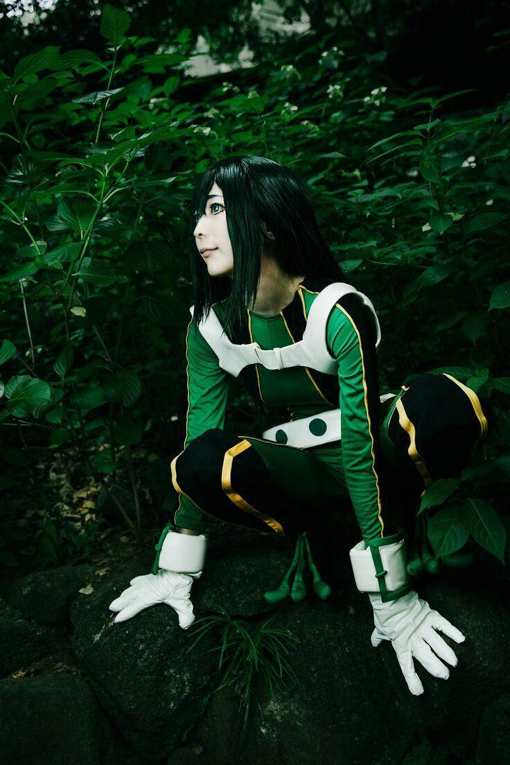 My Hero Academia Asui Cosplay Random Photo Gallery