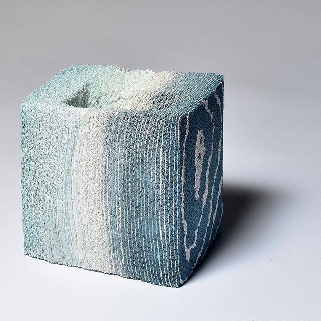 Layers of kitchen paper  and porcelain slip.  #ceramics #ceramic #gallery #stratum #exhibition #jongjinpark #paperart #paperclay  #pottery #art #creative #cardiffmet #paper #unique #도자기 #세라믹 #도자 #insta_pottery #PIAtexture #porcelain #도예 #texture #porcelain #colour #brick #potsinaction  #박종진