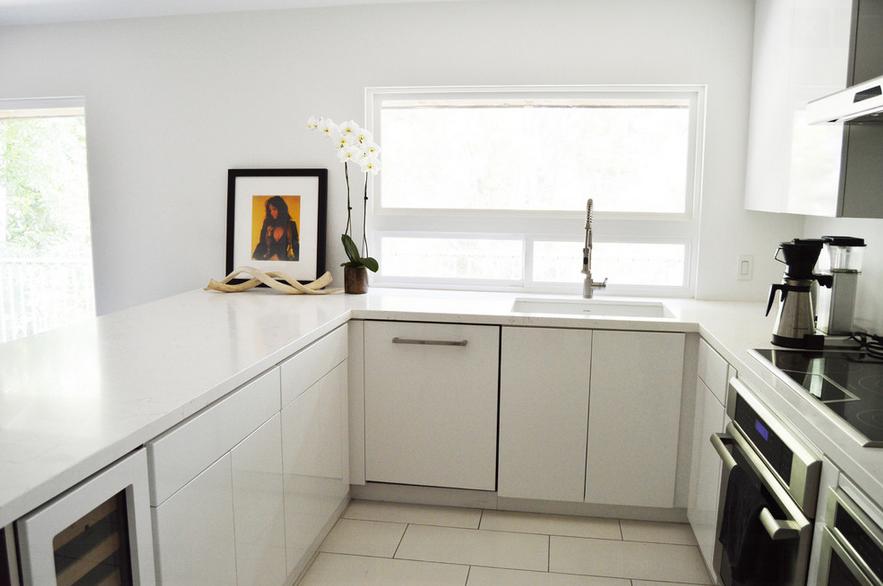 Best White Mid Century Modern Kitchen Remodel Designed By Nancy 400 x 300