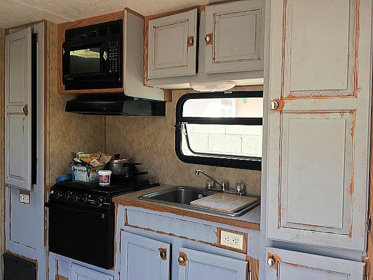 How to Paint Laminate Cabinets without Sanding in 2020 ...