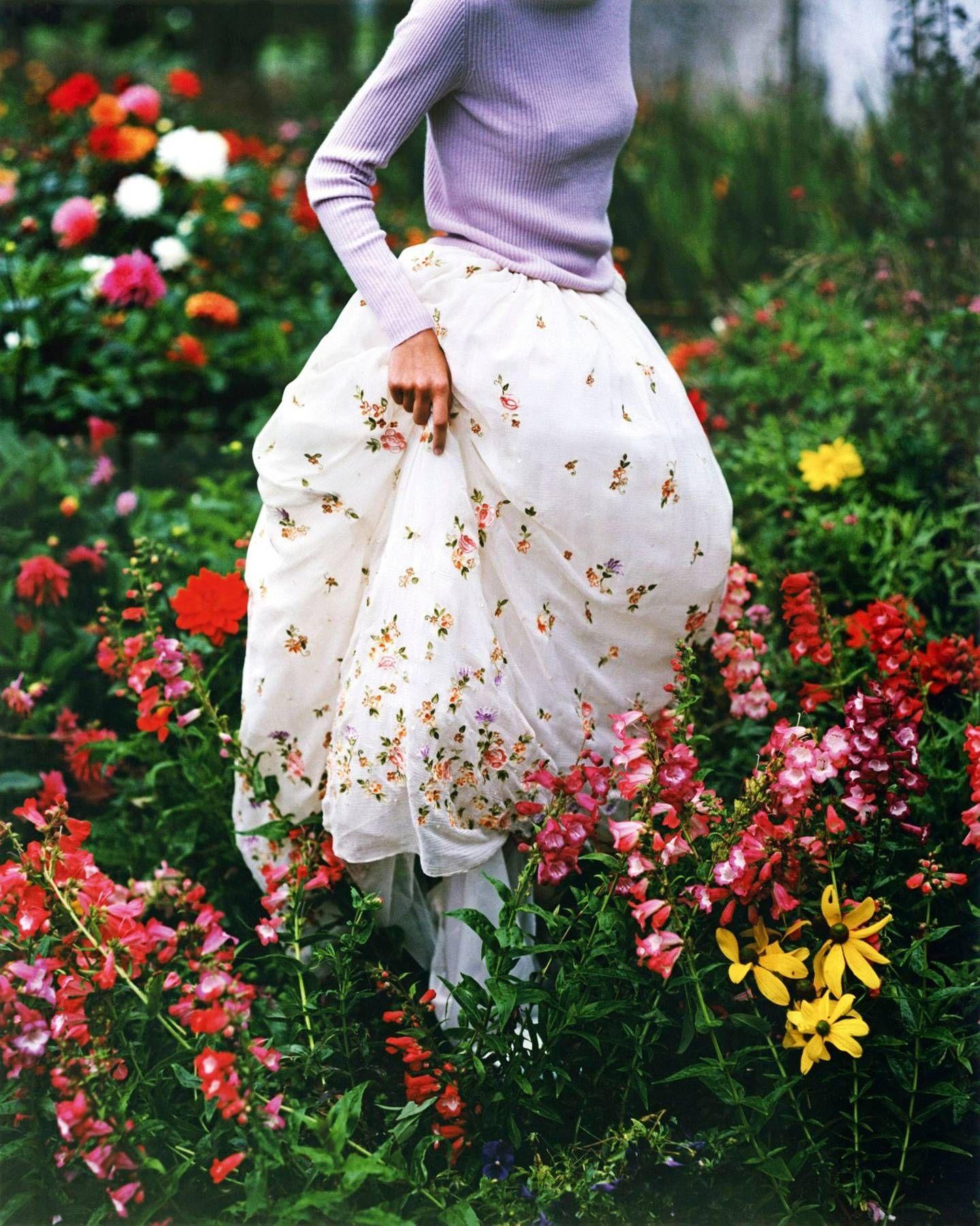 London's Secret Gardens Vogue uk, Beautiful london, Fashion