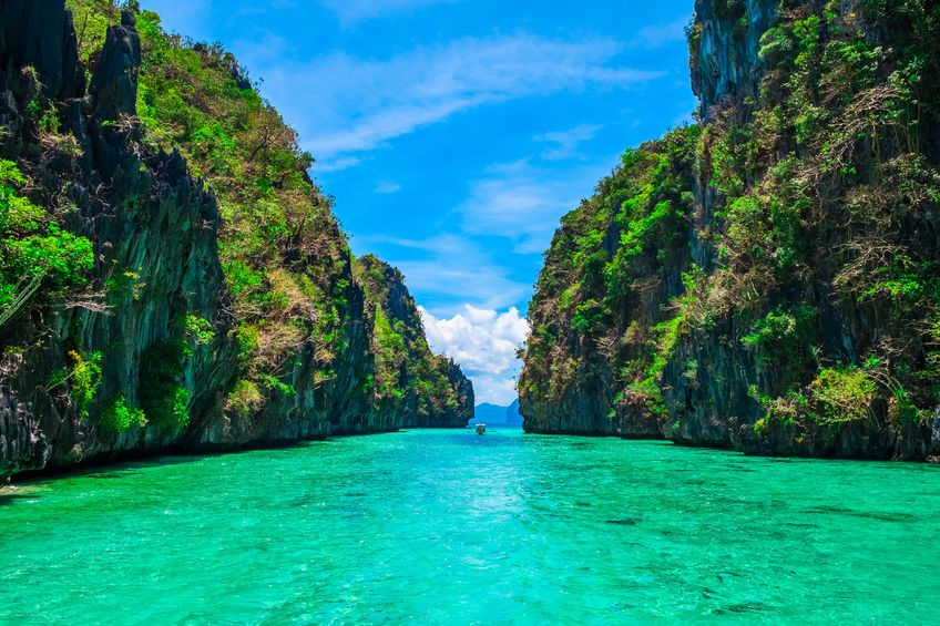 The weekend is almost here, let's top off another splendid week at Penny Price Aromatherapy by enjoying our #PicoftheWeek (El Nido, Palawan, Philippines)! Have a great weekend everyone :D