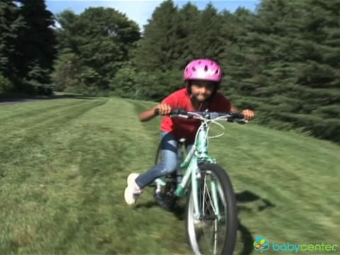 Babycenter Video How To Teach Your Child To Ride A Bike Bike Ride Kids Parenting Baby Center