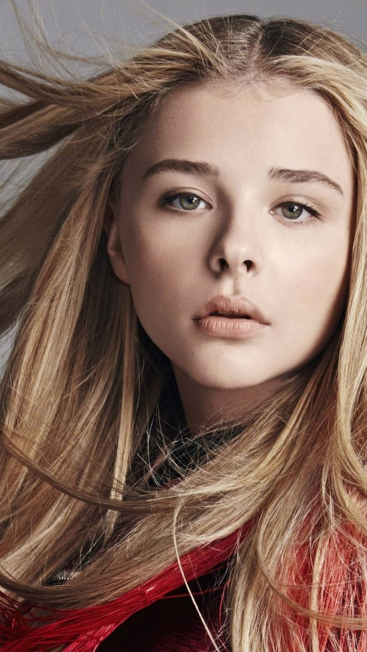 Chloe Grace Moretz Makeup Beautiful Actress 720x1280 Wallpaper