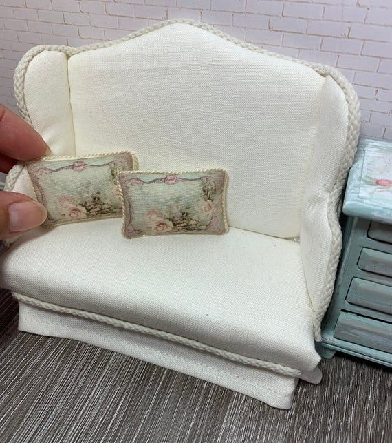 1 Miniature Shabby Chic pillow