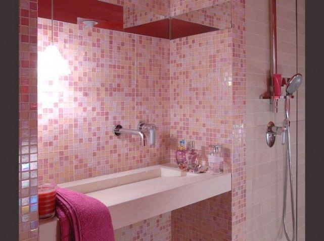 carrelage salle de bain rose decoration salle de bain romantique ... - Salle De Bain Rose Et Marron