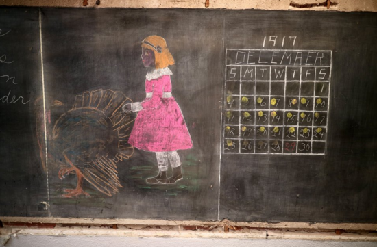 Perfectly Preserved 100 Year Old High School Blackboards Discovered In Oklahoma City Chalkboard Drawings Blackboard Drawing Teaching Techniques