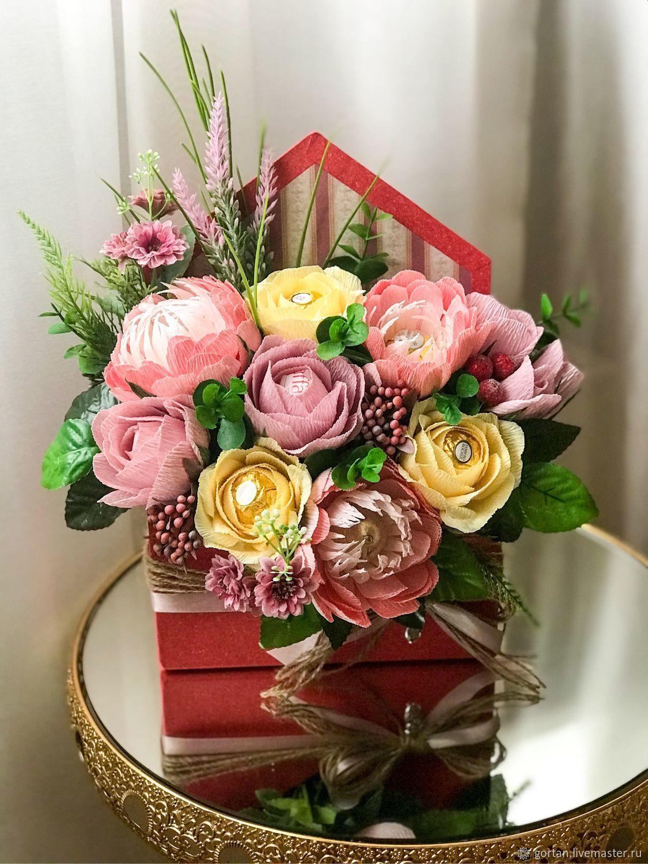 Саратове доставка, букет с цветами и конфетами