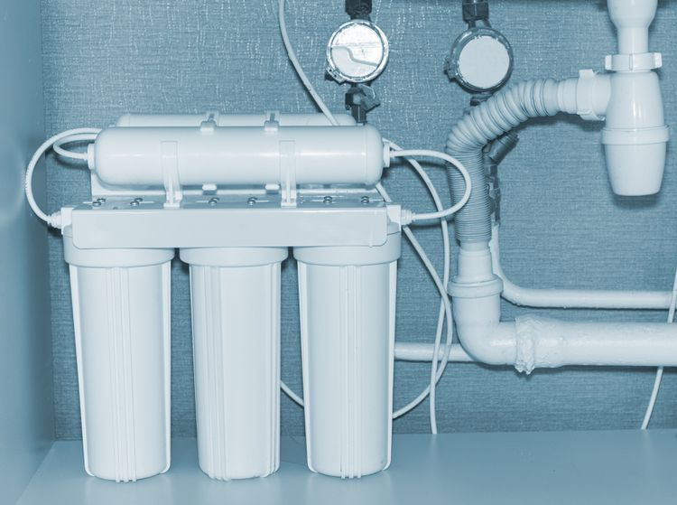 Using Reverse Osmosis Water In Saltwater Aquariums Reverse Osmosis Water Water Filter Water Purification System