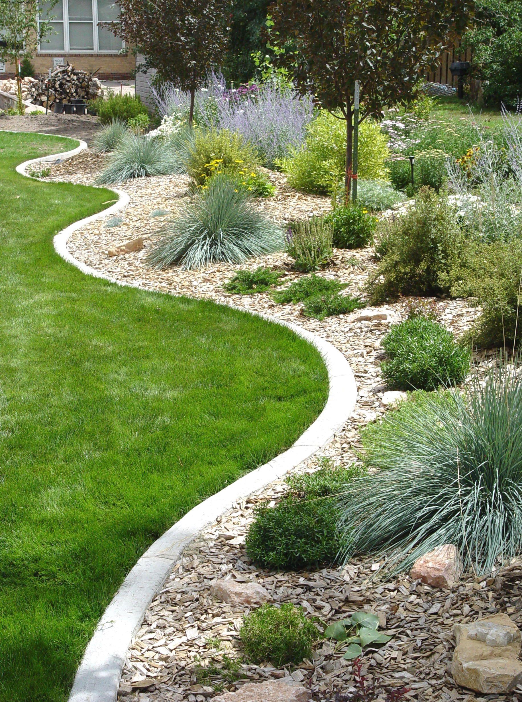 38 Marvelous Metal Landscape Edging Lowes Composition Garden Edging Landscape Edging Backyard Landscaping Designs