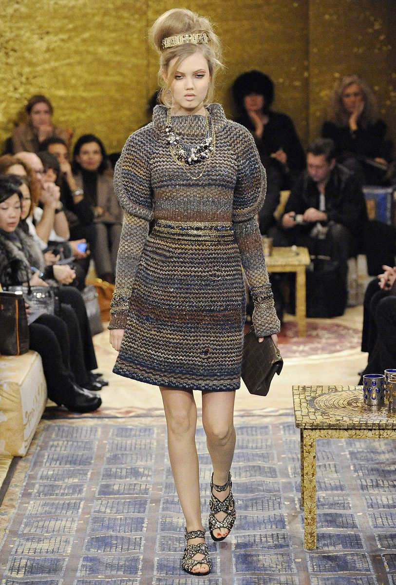 Chanel Pre-Fall 2011 - Review - Fashion Week - Runway, Fashion Shows and Collections - Vogue