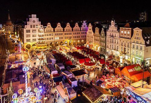 Liebes Deutschland. via Tumblr #christmas #lights #snow #winter #city #christmasmarket #weihnachtsmarkt #followback #instafollow #tagforlikes #FF