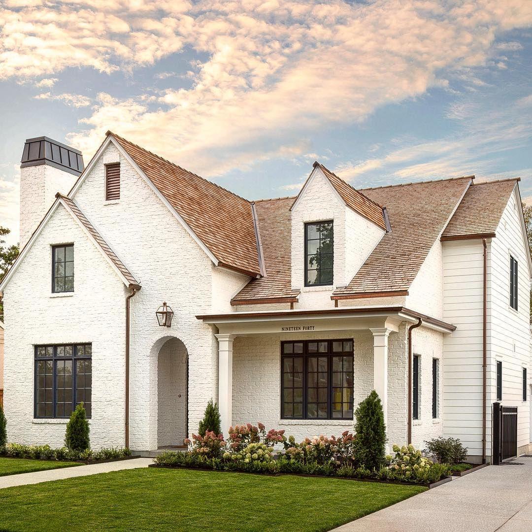 Modern Home Exterior Paint Colors: White & Grey Paint Color Ideas: Modern Farmhouse