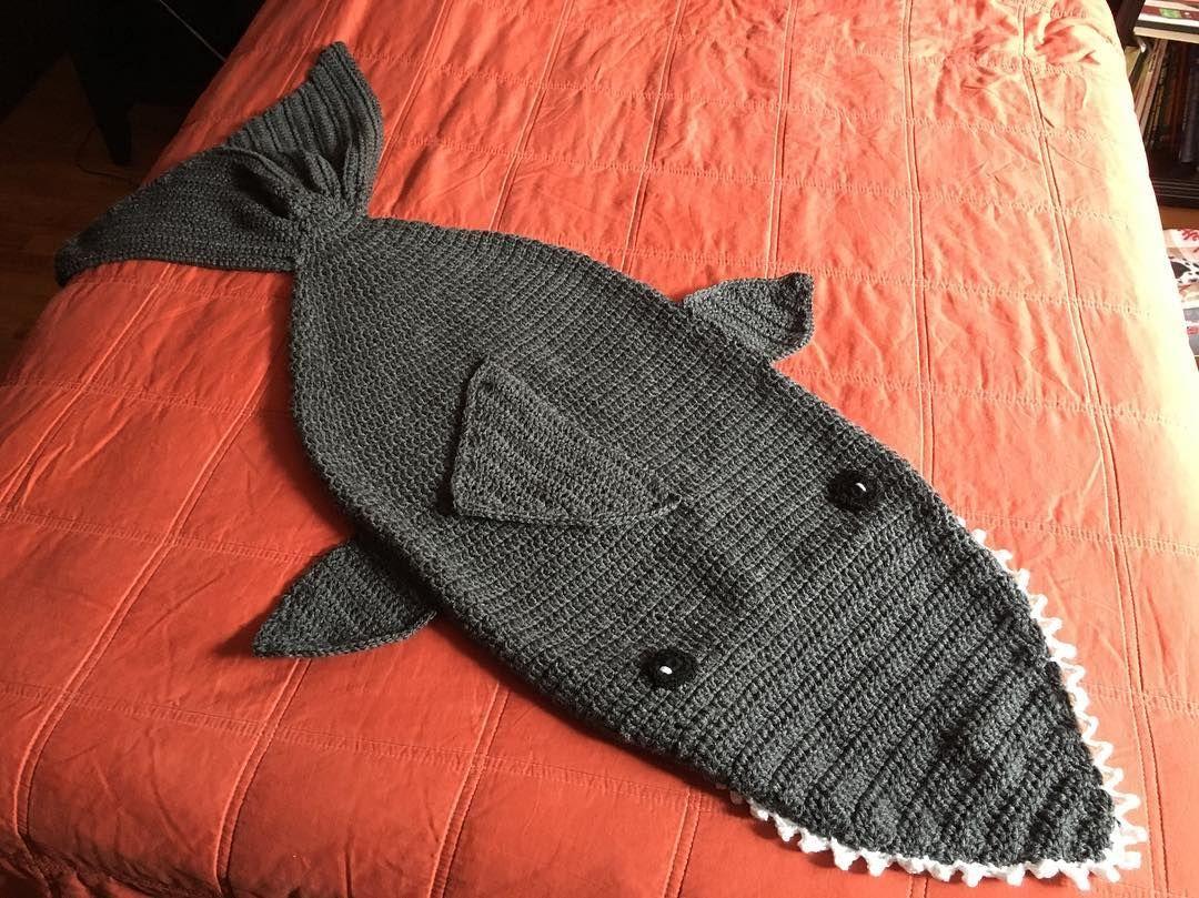 Hermosa Ganchillo Libre Patrón De Zapatillas De Tiburón Friso ...