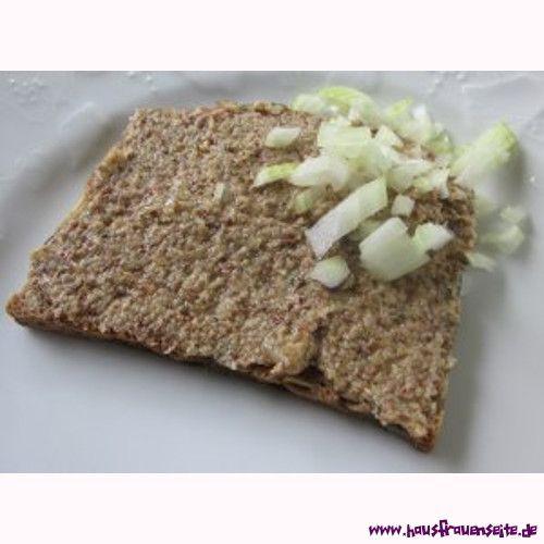 Zwiebel-Nuss-Aufstrich - Rezept  unser Zwiebel-Nuss-Aufstrich ist ein veganer Leberwurstersatz vegetarisch vegan laktosefrei glutenfrei