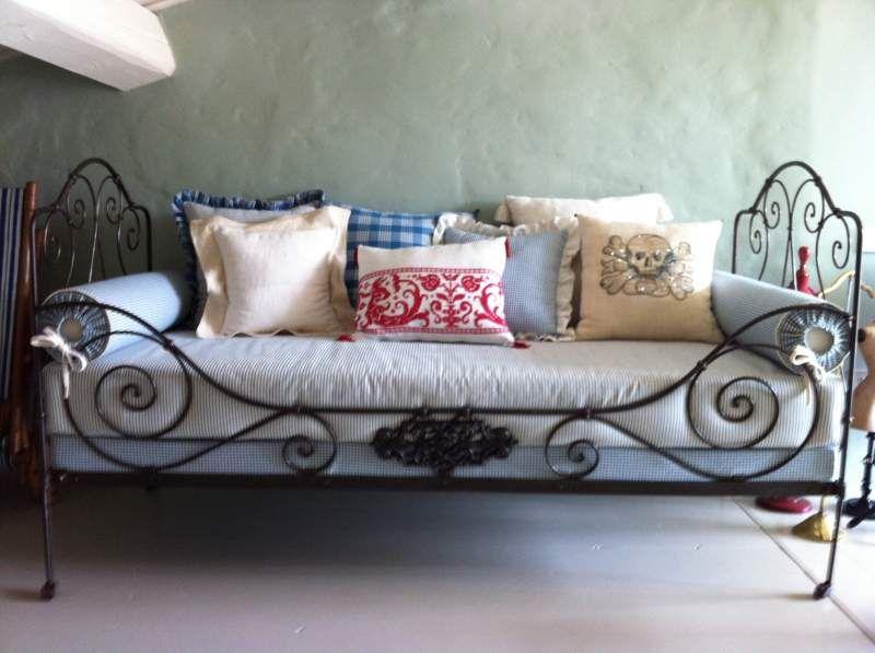 Divano Ferro ~ Antico divano letto in ferro battuto con le ruotine margot