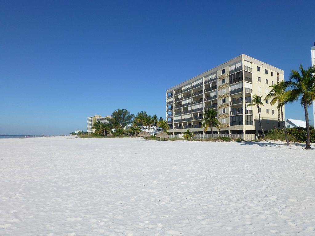 Condo Vacation Rental In Fort Myers Beach From Vrbo Com Vacation Rental Travel Vrbo Fort Myers Beach Condo Vacation Rentals Beach Vacation Rentals