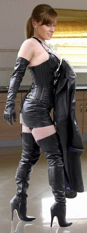 211f0358be57 hot women and leather boots