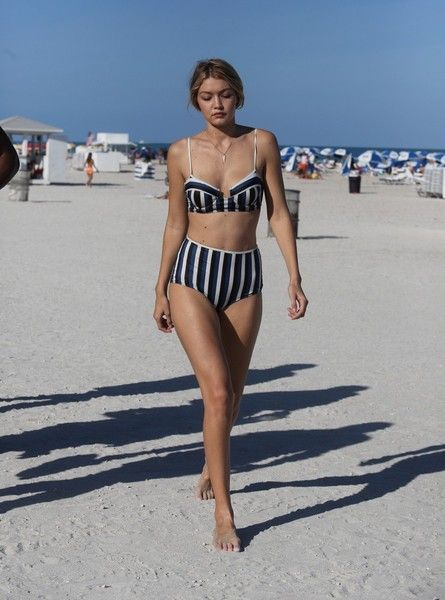 6987b7d1394d0 Gigi Hadid Photos - Gigi Hadid and Cody Simpson Spotted in Miami - Zimbio