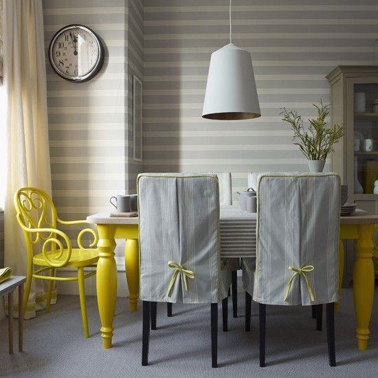 Sillas vestidas y sillas pintadasgris y amarillo Interiores