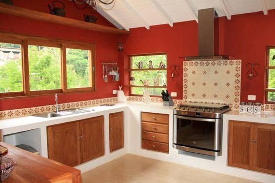 Cucina in stile in stile Coloniale di FLAVIO BERREDO ARQUITETURA E ...