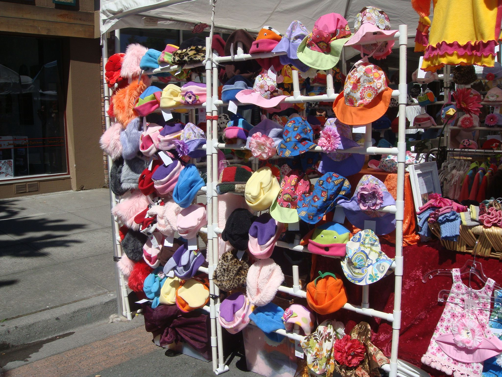 Great way to display hats a craft fairs craft fairs