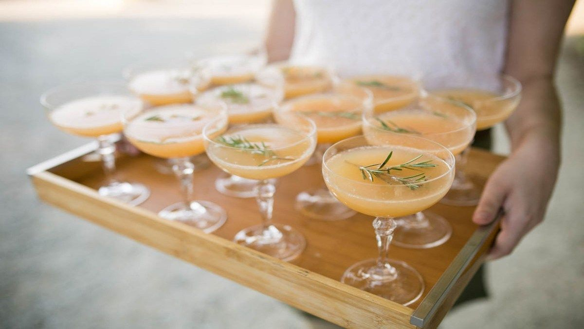 Top 10 Tips For A Successful Cocktail Hour Big Day Cocktails