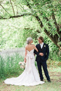 Not only is this shoot beautiful but includes many of the top vendors in Alberta. So where did it all start? Pinterest of course! #styledsession #styledshoot #weddings #albertaweddings #weddinginspo #weddinginspiration #styleinspired #styleinspiredweddings #bridetobe #engaged